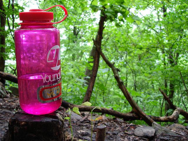 登山用の水筒(ウォーターボトル)の選び方とポイント