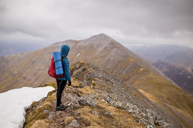 登山用ハイテク化学繊維インシュレーションのポイントと選び方