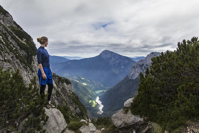 登山用ズボン・トレッキングパンツとは